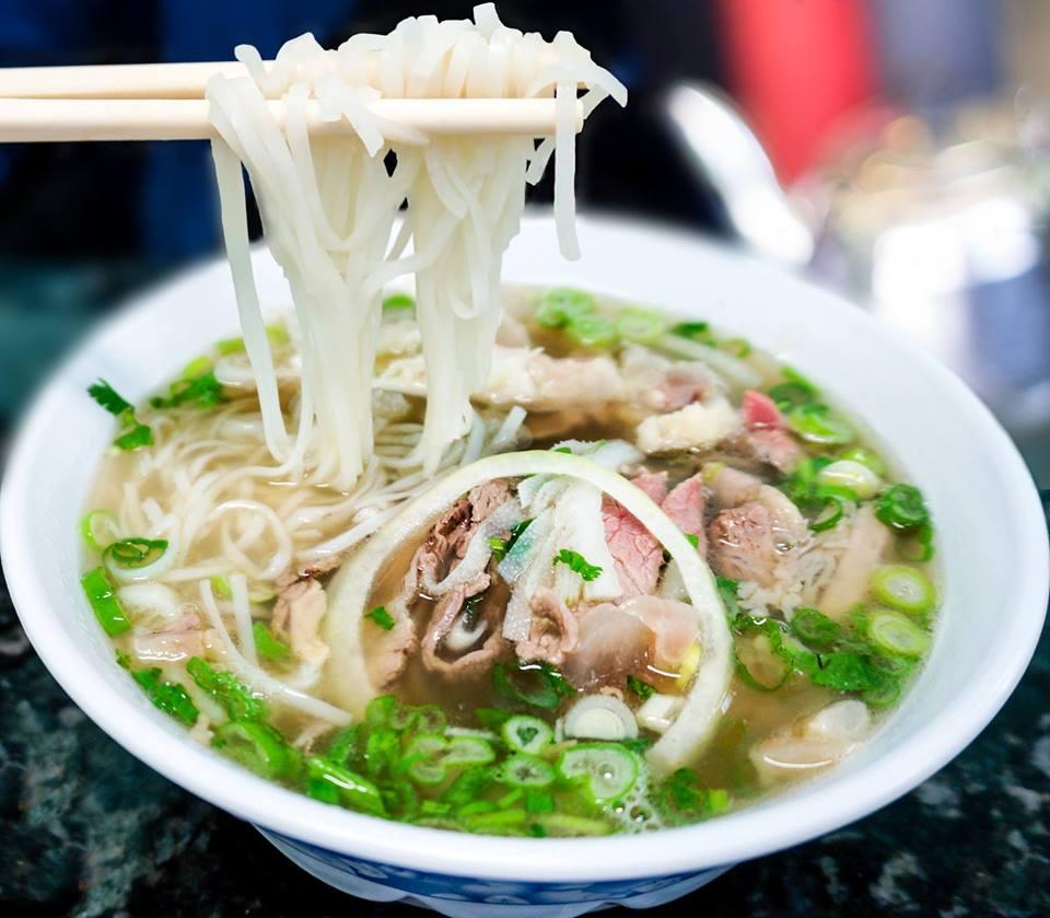 Recette de Phơ Bo – Soupe vietnamienne au bœuf et aux nouilles de ...